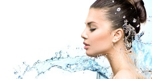Контрастен душ за борба с целулита